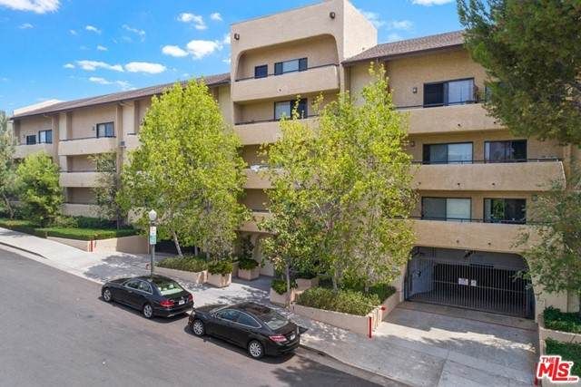 10982 Roebling Avenue #406, Los Angeles (City), CA 90024 (#21750540) :: RE/MAX Masters