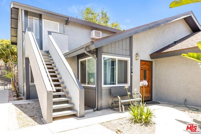 1865 Stanley Avenue #9, Signal Hill, CA 90755 (#21750170) :: Eight Luxe Homes
