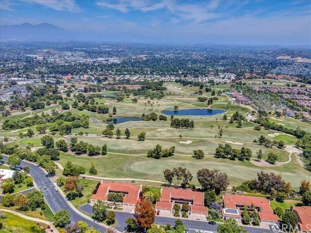4014 Calle Sonora Oeste 2D, Laguna Woods, CA 92637 (#LG21132492) :: Team Forss Realty Group