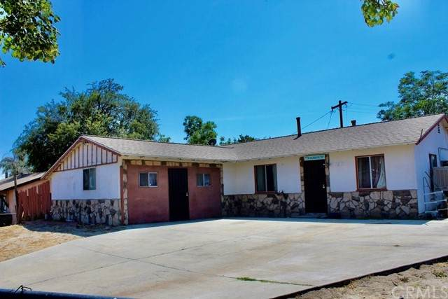 2446 San Benito Avenue, San Bernardino, CA 92407 (#IV21133196) :: Blake Cory Home Selling Team