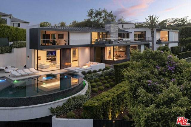 1029 Hanover Drive, Beverly Hills, CA 90210 (#21750718) :: TeamRobinson | RE/MAX One