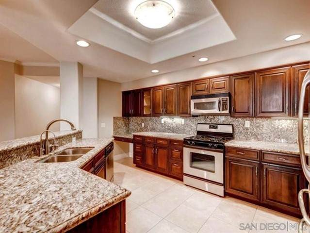 12374 Carmel Country Rd H-110, San Diego, CA 92130 (#210017036) :: Swack Real Estate Group   Keller Williams Realty Central Coast