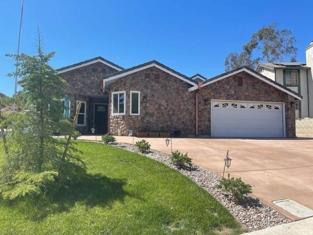 29135 Poppy Meadow Street, Canyon Country, CA 91387 (#SR21133295) :: Compass
