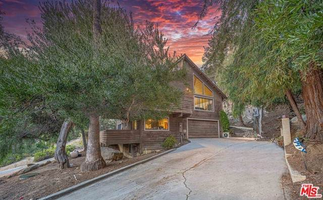 1792 Tiger Trail, Topanga, CA 90290 (#21723942) :: Team Forss Realty Group