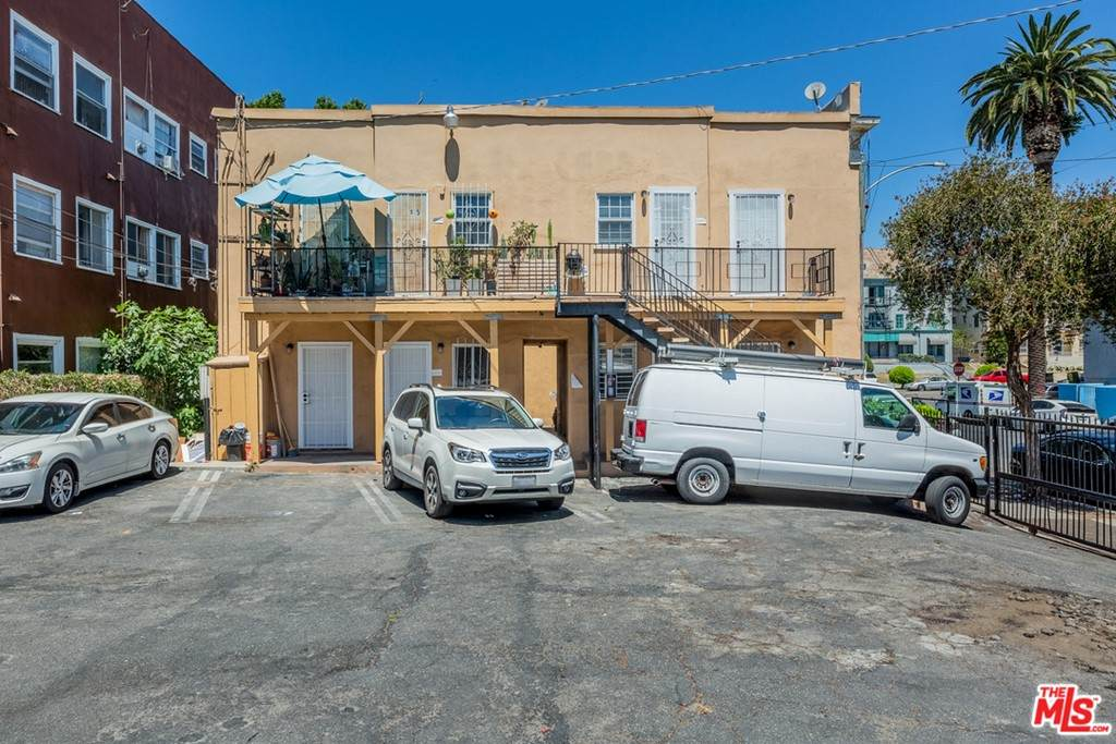 400 S Rampart Boulevard, Los Angeles (City), CA 90057 (#21750916) :: TeamRobinson | RE/MAX One