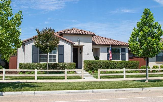 2453 Clubhouse Drive, Paso Robles, CA 93446 (#NS21131949) :: Veronica Encinas Team