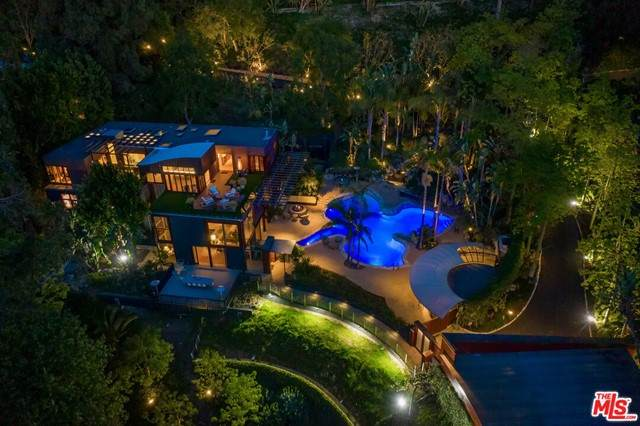 12835 Mulholland Drive, Beverly Hills, CA 90210 (#21750928) :: Steele Canyon Realty