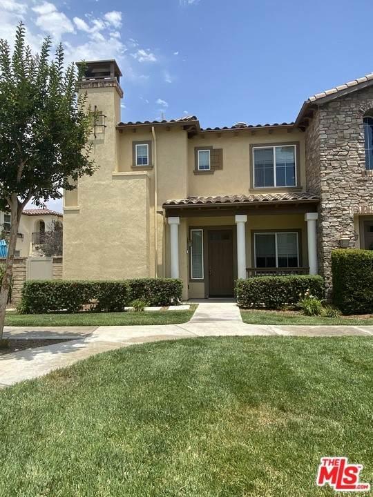 23925 Brescia Drive, Valencia, CA 91354 (#21750986) :: Powerhouse Real Estate