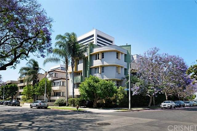 1601 S Bentley Avenue #201, Los Angeles (City), CA 90025 (#SR21132403) :: The Miller Group