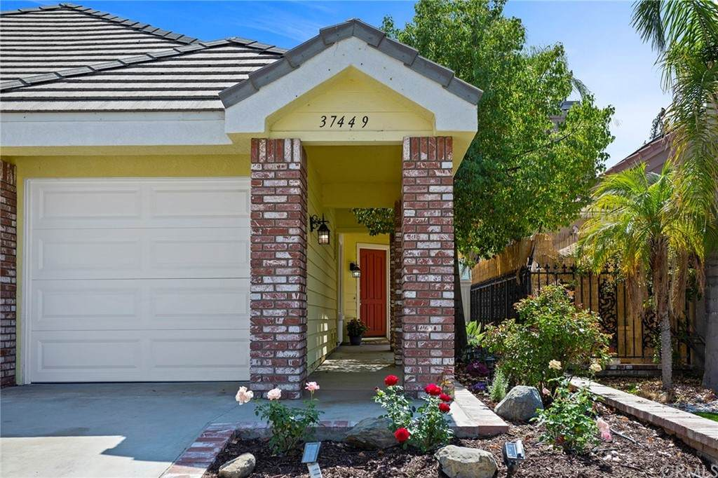 37449 Vineyard Knoll Drive, Murrieta, CA 92562 (#SW21133441) :: Amazing Grace Real Estate | Coldwell Banker Realty