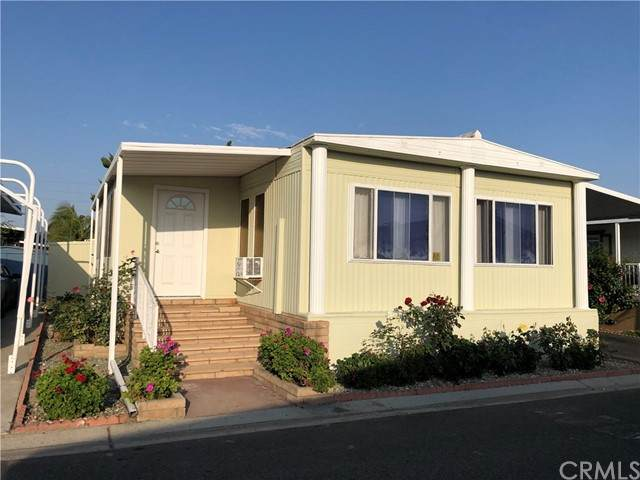 3101 S Fairview Street #153, Santa Ana, CA 92704 (#PW21133457) :: Team Tami