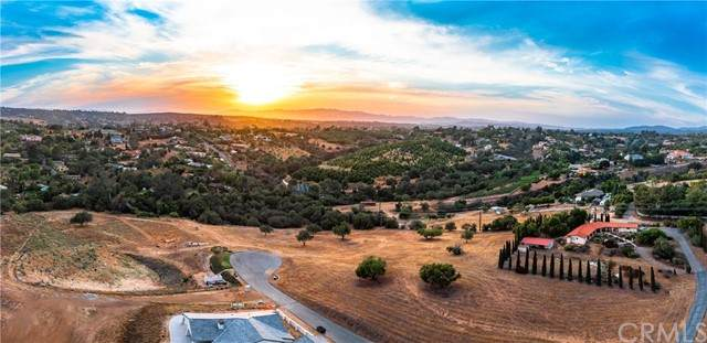 0 Linda Vista Terrace, Fallbrook, CA 92028 (#OC21128478) :: Compass