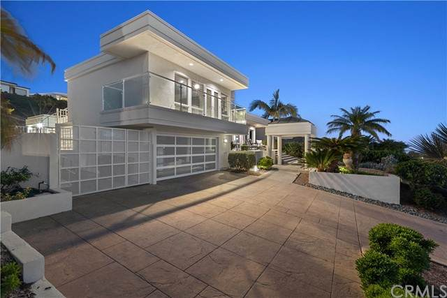 1038 Goldenrod Avenue, Corona Del Mar, CA 92625 (#NP21131561) :: Hart Coastal Group