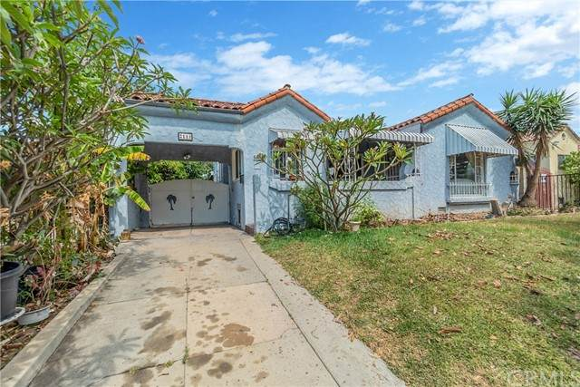 2111 S Highland Avenue, Los Angeles (City), CA 90016 (#WS21133250) :: Blake Cory Home Selling Team