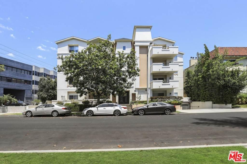 1726 S Bentley Avenue #102, Los Angeles (City), CA 90025 (#21750870) :: RE/MAX Masters
