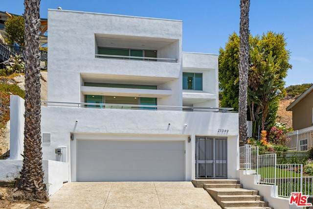21349 Rambla, Malibu, CA 90265 (#21751038) :: The Laffins Real Estate Team