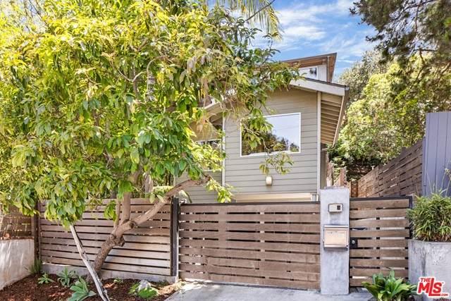 8360 Ridpath Drive, Los Angeles (City), CA 90046 (#21750996) :: Blake Cory Home Selling Team