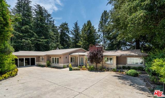 1732 Bonita Vista Drive, La Canada Flintridge, CA 91011 (#21748810) :: The Najar Group