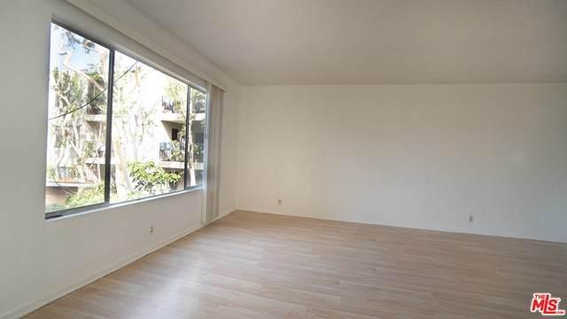 887 Victor Avenue #7, Inglewood, CA 90302 (MLS #21751148) :: The Zia Group