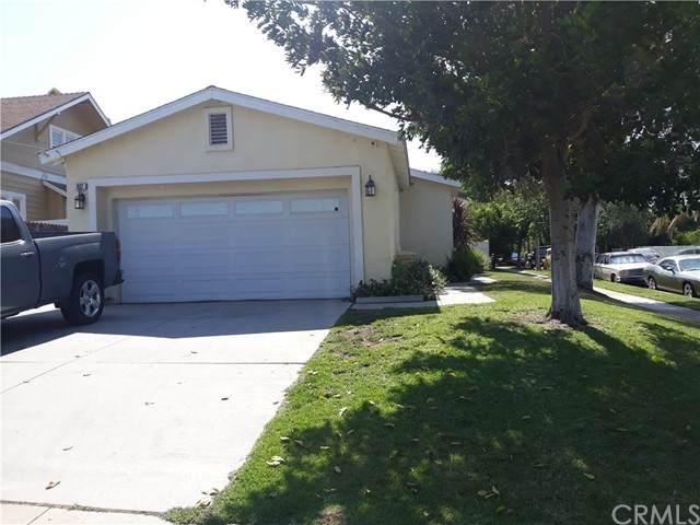 902 S Vicentia Avenue, Corona, CA 92882 (#SW21133800) :: American Real Estate List & Sell