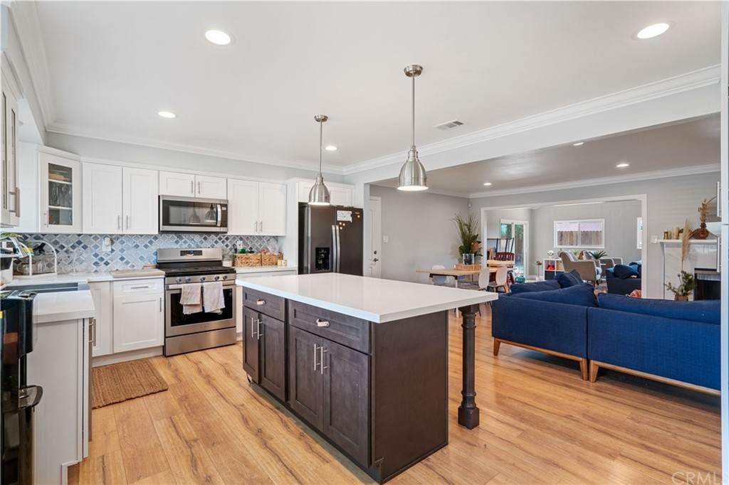 5015 Tophill Place, Riverside, CA 92507 (#CV21133814) :: Mainstreet Realtors®