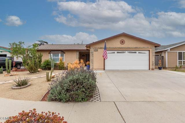 1014 Denver Place, Oxnard, CA 93033 (#V1-6579) :: Blake Cory Home Selling Team