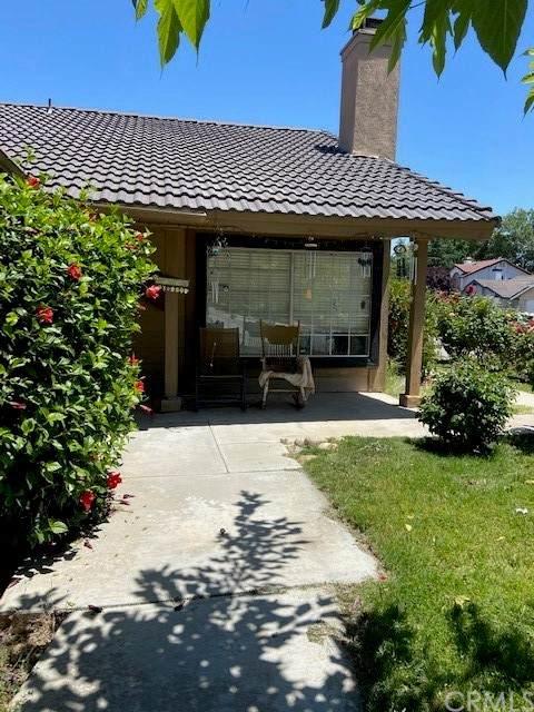 2500 Mimosa Street, Bakersfield, CA 93308 (#OC21133678) :: CENTURY 21 Jordan-Link & Co.