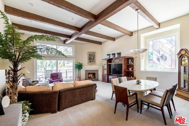 3950 Via Dolce #511, Marina Del Rey, CA 90292 (#21750722) :: The Miller Group