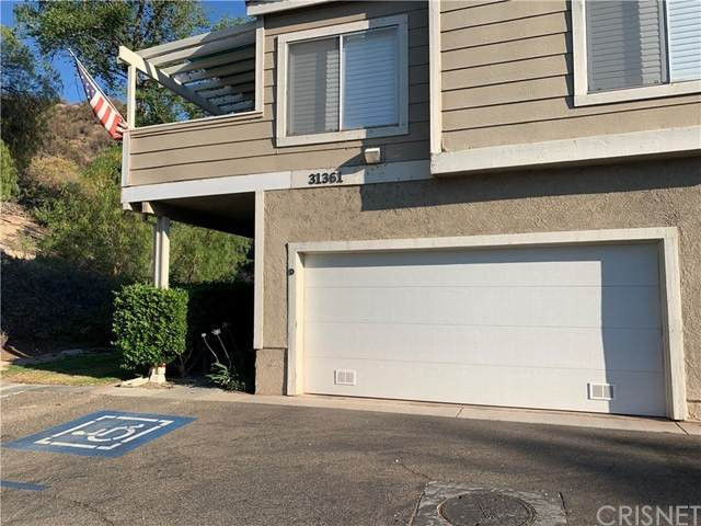 31361 The Old Road D, Castaic, CA 91384 (#SR21134124) :: Team Forss Realty Group