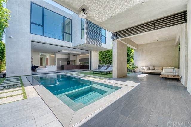 935 N La Jolla Avenue, West Hollywood, CA 90046 (MLS #PW21130105) :: CARLILE Realty & Lending