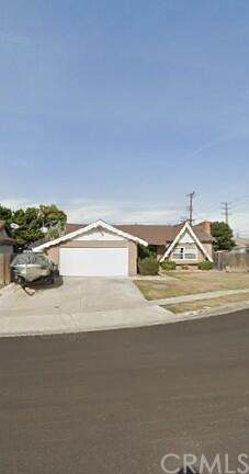 4951 Maui Circle, Huntington Beach, CA 92649 (#OC21132914) :: Hart Coastal Group
