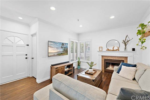 260 Victoria Street H5, Costa Mesa, CA 92627 (MLS #OC21134284) :: CARLILE Realty & Lending