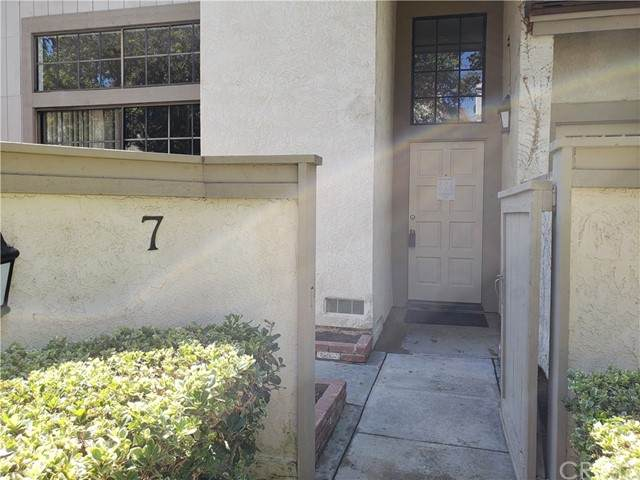 7 Sunstream, Irvine, CA 92603 (#OC21060443) :: Bathurst Coastal Properties