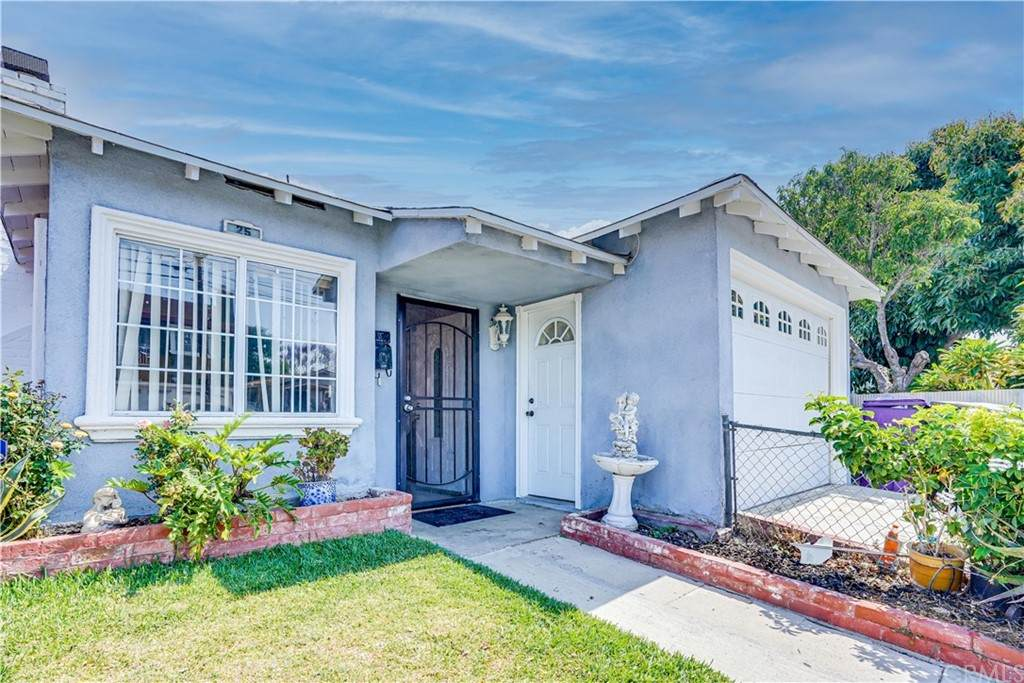 25 W Pleasant Street, Long Beach, CA 90805 (#IG21134446) :: Zen Ziejewski and Team