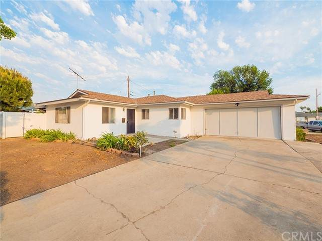 810 E Whitecap Avenue, Orange, CA 92865 (#OC21131771) :: First Team Real Estate