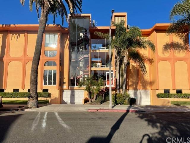 382 Coronado Avenue #107, Long Beach, CA 90814 (#PW21134502) :: Team Tami