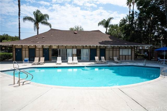 1722 Mitchell Avenue #96, Tustin, CA 92780 (#PW21131794) :: First Team Real Estate