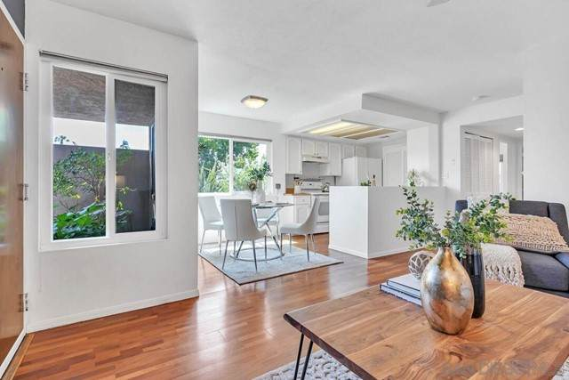 4666 Mission Ave #7, San Diego, CA 92116 (#210017195) :: Berkshire Hathaway HomeServices California Properties