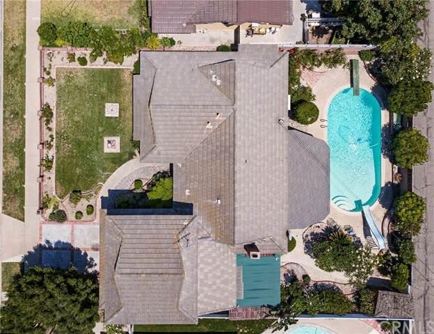 2750 W Bridgeport Avenue, Anaheim, CA 92804 (#PW21134268) :: First Team Real Estate