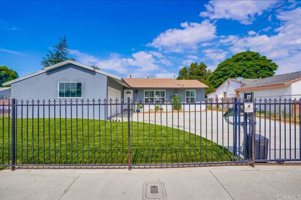 7033 Wilbur Avenue, Reseda, CA 91335 (#SB21132039) :: Pam Spadafore & Associates