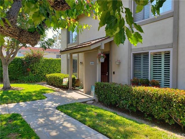 16901 Cod Circle D, Huntington Beach, CA 92647 (#OC21134976) :: Holmes Muirhead Team at Reviron Realty