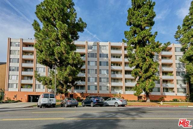 421 S La Fayette Park Place #328, Los Angeles (City), CA 90057 (#21751800) :: American Real Estate List & Sell