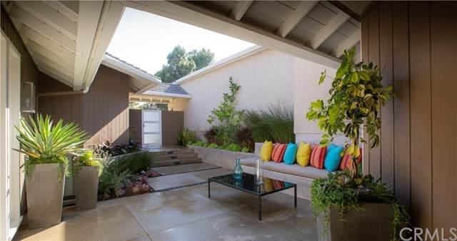 2 Salzburg, Newport Beach, CA 92660 (#NP21134768) :: Pam Spadafore & Associates
