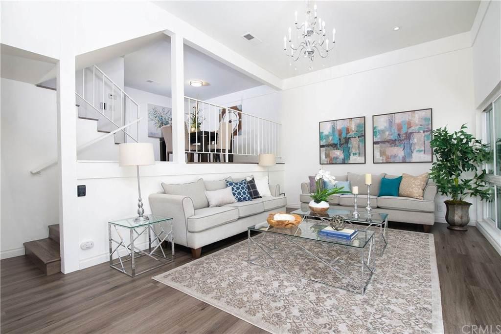 2100 W Palmyra Avenue #66, Orange, CA 92868 (#OC21094493) :: First Team Real Estate