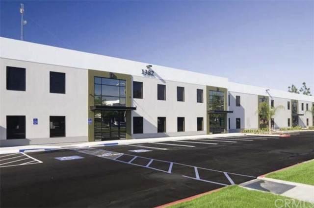 1382 Valencia Avenue F, Tustin, CA 92780 (#OC21135226) :: First Team Real Estate