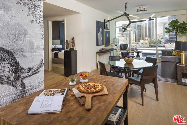 877 Francisco Street #1607, Los Angeles (City), CA 90017 (#21749668) :: American Real Estate List & Sell