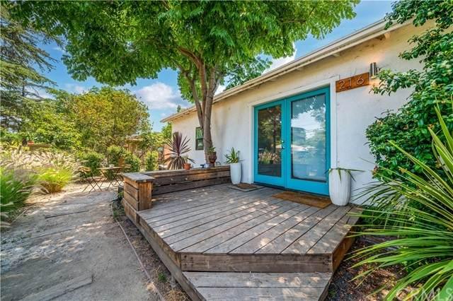 216 E Saint Andrew Place, Santa Ana, CA 92707 (#OC21131591) :: Team Tami