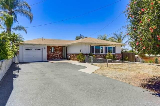 505 Hillcrest Lane, Fallbrook, CA 92028 (#NDP2107199) :: Compass