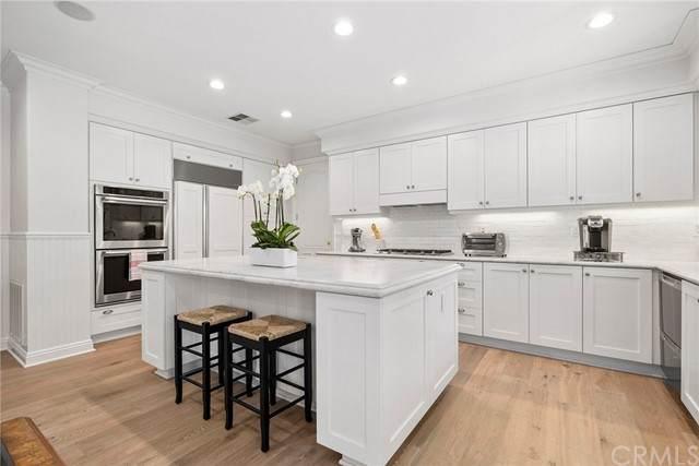 22 Long Bay Drive, Newport Beach, CA 92660 (#NP21135559) :: Mint Real Estate