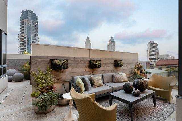 700 Front Street #505, San Diego, CA 92101 (#210017319) :: American Real Estate List & Sell